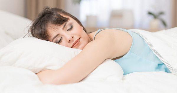 Ο ύπνος του Σαββατοκύριακου αδυνατίζει!