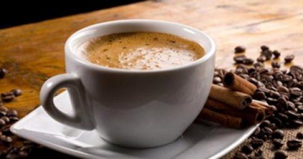 Καφές: Κανονικός εναντίον ντεκαφεϊνέ – Ποια τα οφέλη από κάθε είδος
