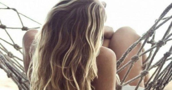 Ανοίξτε το Χρώμα των Μαλλιών σας με 2 Υλικά που Έχετε στο Σπίτι σας