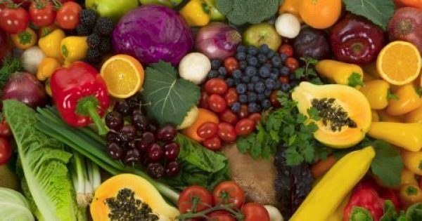 Φούσκωμα στην κοιλιά: 8 τροφές που πρέπει να βγάλεις από τη διατροφή σου