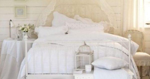 Κρεβάτι:Ο πιο εύκολος τρόπος να καθαρίσεις τα μαξιλάρια και το στρώμα σου!