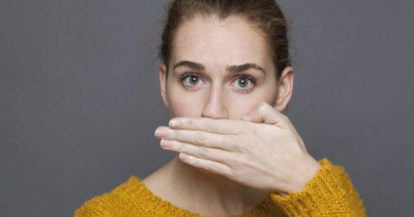 Κακοσμία στόματος: Αίτια και 5 μυστικά για να μην μυρίζει το στόμα σας -ΒΙΝΤΕΟ