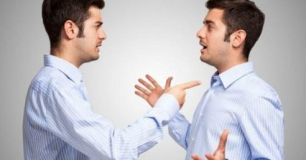 Μιλάτε στον εαυτό σας; Δείτε τί λένε οι ψυχολόγοι.