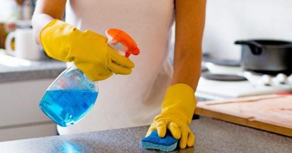 Κίνδυνος για τους πνεύμονες από τα καθαριστικά σπρέι! Μεγάλη έρευνα στην Ευρώπη