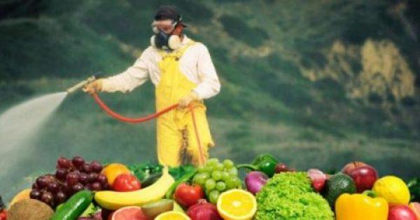 Η νέα λίστα με τα φρούτα και τα λαχανικά που έχουν τα περισσότερα φυτοφάρμακα