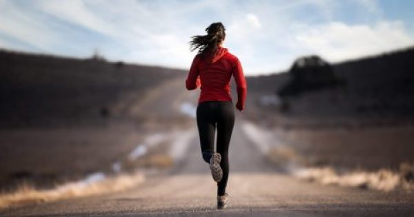 Να τι ακριβώς συμβαίνει στο σώμα σου όταν ξεκινάς τρέξιμο