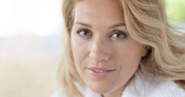 Το προϊόν ομορφιάς που δεν πρέπει να χρησιμοποιούν οι γυναίκες μετά τα 40