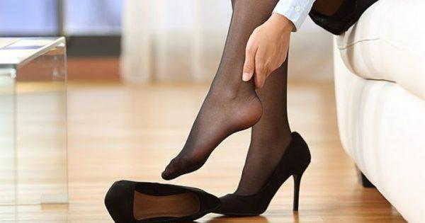Κουρασμένα πόδια; 10 σωτήρια τρικ για να περιποιείσαι τα πόδια σου όταν δεν φοράς παπούτσια