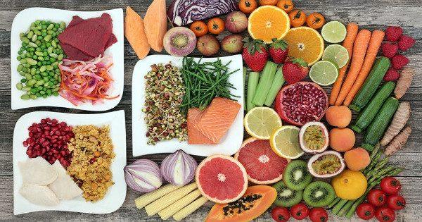Τρώτε αρκετή πρωτεΐνη; Οι επιπτώσεις από τη χαμηλή πρόσληψη