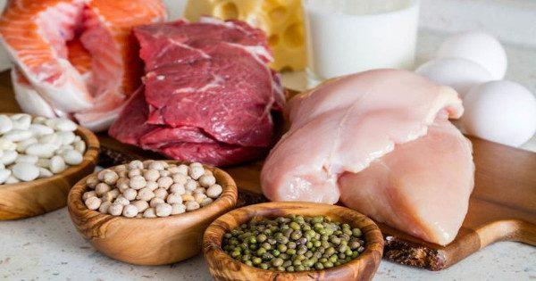 Πρωτεΐνη: 7 σημάδια ότι τρώτε περισσότερη απ' όση χρειάζεστε