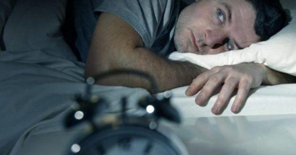 Ξυπνάτε τα βράδια; – Τι σημαίνει όταν ξυπνάτε την ίδια ώρα