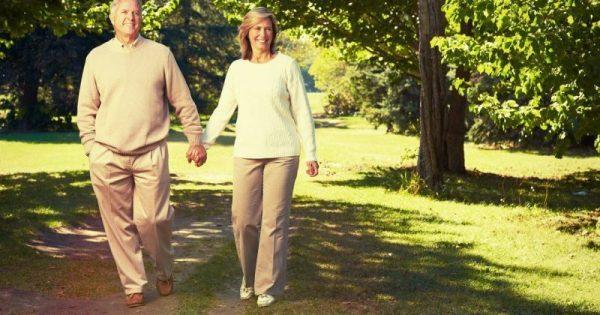 Τόσα βήματα την ημέρα μειώνουν τον κίνδυνο πρόωρου θανάτου