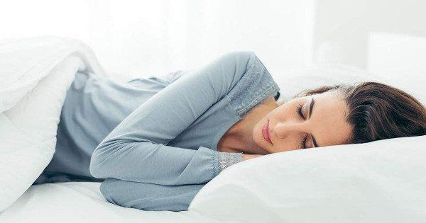 Τέσσερα κόλπα για να αλλάξετε το βιολογικό σας ρολόι και να κόψετε τα ξενύχτια