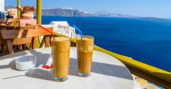 Καφές φραπέ: Τι επίδραση έχει στην χοληστερίνη