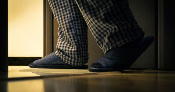 Η νυχτερινή συνήθεια που αποκαλύπτει αν έχετε υπέρταση