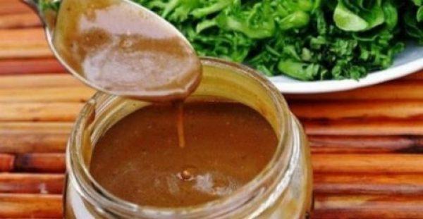 ΣΩΣ ΠΟΥ ΚΑΝΕΙ ΘΑΥΜΑΤΑ! Αυτή η σάλτσα καθαρίζει τις αρτηρίες και δίνει μακροζωία