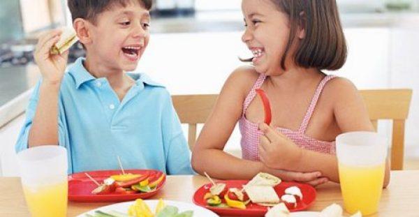 """""""Μαμά πεινάω!"""": Η σωστή διατροφή των παιδιών έχει τα δικά της μυστικά και εμείς σας τα αποκαλύπτουμε"""