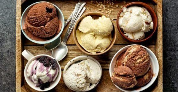 Νόστιμο Σπιτικό Παγωτό: Δείτε πώς θα το Φτιάξετε Χωρίς Παγωτομηχανή