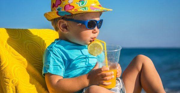 Από ποια ηλικία επιτρέπεται να πίνουν χυμούς τα παιδιά