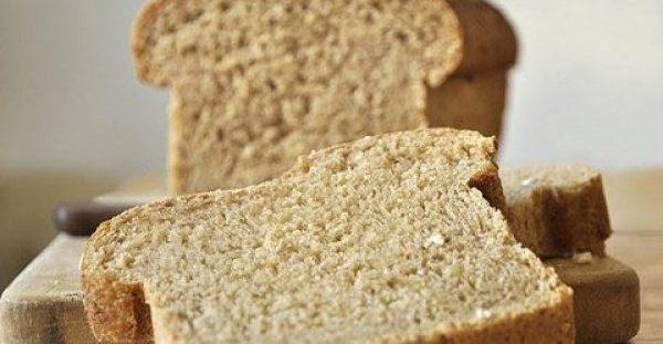 Το ψωμί του τοστ στο μικροσκόπιο