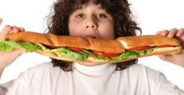 Η Ελλάδα έχει το μεγαλύτερο ποσοστό παχύσαρκων αγοριών στην Ευρώπη