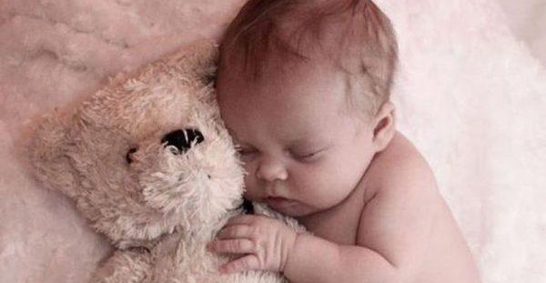 Ίκτερος: Γιατί πρέπει να αποφεύγεται η άμεση έκθεση του μωρού στον ήλιο