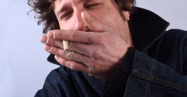 Τσιγαρόβηχας – Αντιμετώπιση: Τα 6 βήματα για άμεση θεραπεία