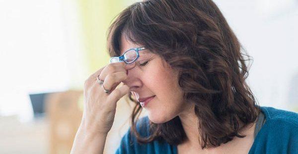 Δέκα απρόσμενοι λόγοι που ξυπνάτε με πονοκέφαλο