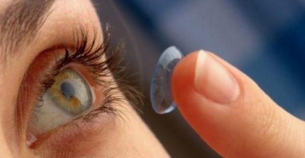 Φακοί επαφής: Πότε κινδυνεύετε με βακτήρια στα μάτια