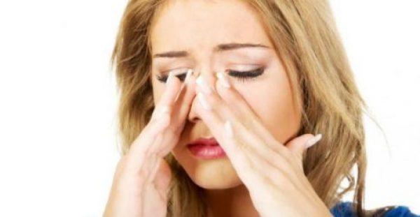 Ιγμορίτιδα: Όλα τα συμπτώματα και πώς θα σας περάσει [βίντεο]