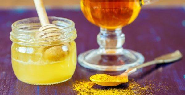 Κουρκούμη και μέλι: Γιατί το λένε «χρυσό μέλι» – Τι προσφέρει, πώς φτιάχνεται [vid]