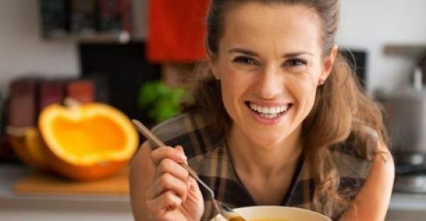 Οι 15 τροφές που πρέπει να αποφεύγεις μετά την ηλικία των 40