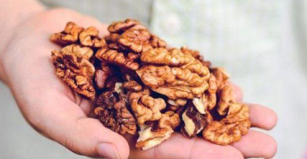 Πέντε υπερτροφές για τον εγκέφαλο & ποια ώρα της ημέρας πρέπει να τις καταναλώνετε