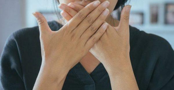 Κακοσμία στόματος: Αυτός είναι ο πιο εύκολος τρόπος να την αντιμετωπίσετε!!!