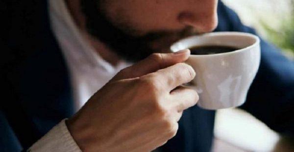 Πότε ο καφές γίνεται επικίνδυνος για την καρδιακή υγεία των νέων